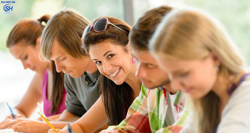 6 bước cần chú ý khi nộp hồ sơ du học Canada
